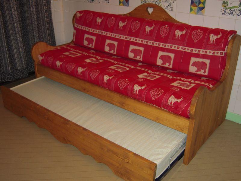 meubles et montagne fabrication et vente de meubles en pic a revente de meubles banquettes. Black Bedroom Furniture Sets. Home Design Ideas